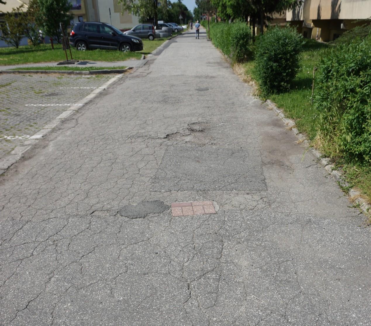 ulica Lotników II przed remontem